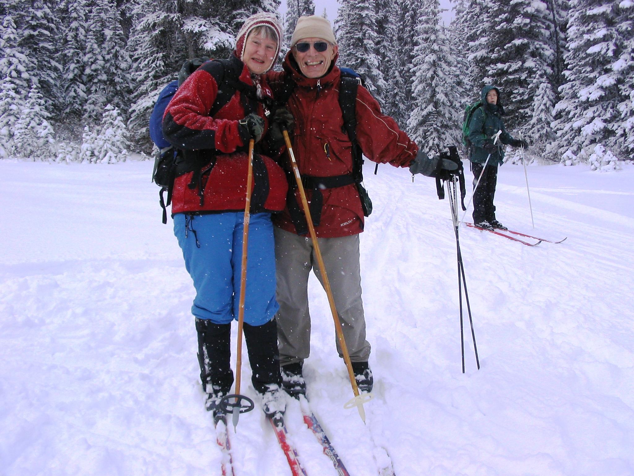 Johanna & Jim from Norseman Ski club on Elk Pass